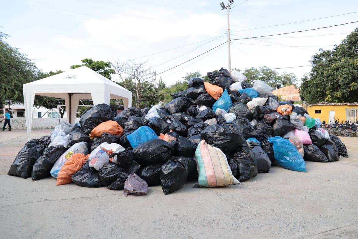 Dadsa evita que 65 mil botellas fueran a dar a ríos y playas, tras inscripción de 2 mil samarios en Carrera 5K