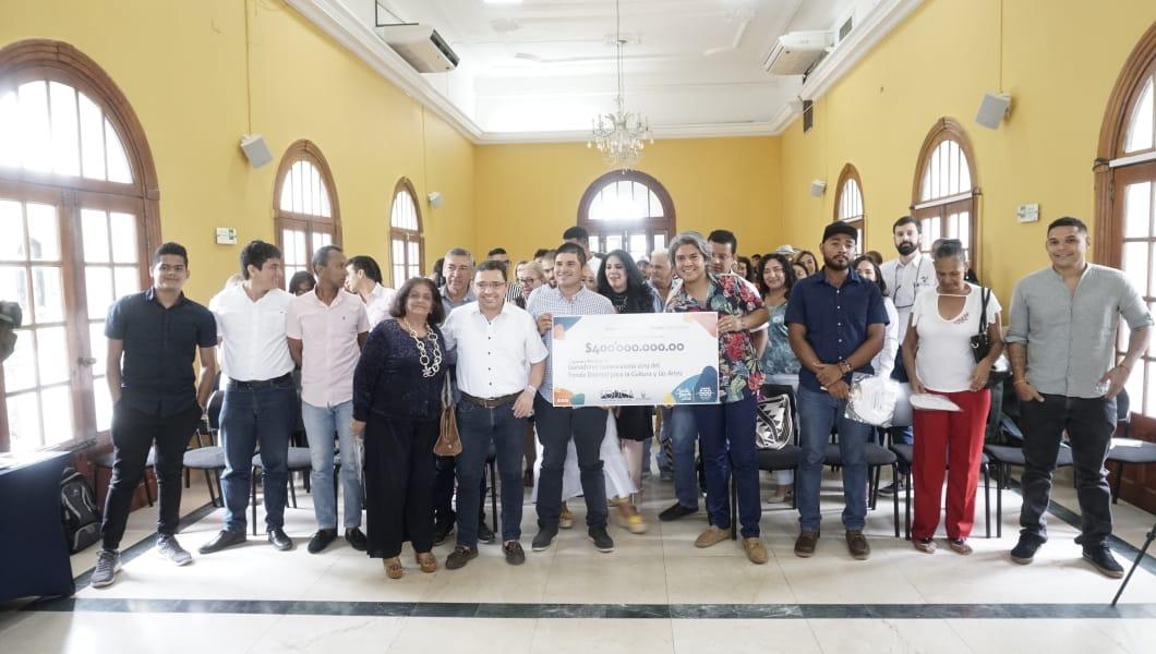 Alcaldía del Cambio entregó $400 millones de pesos a proyectos culturales