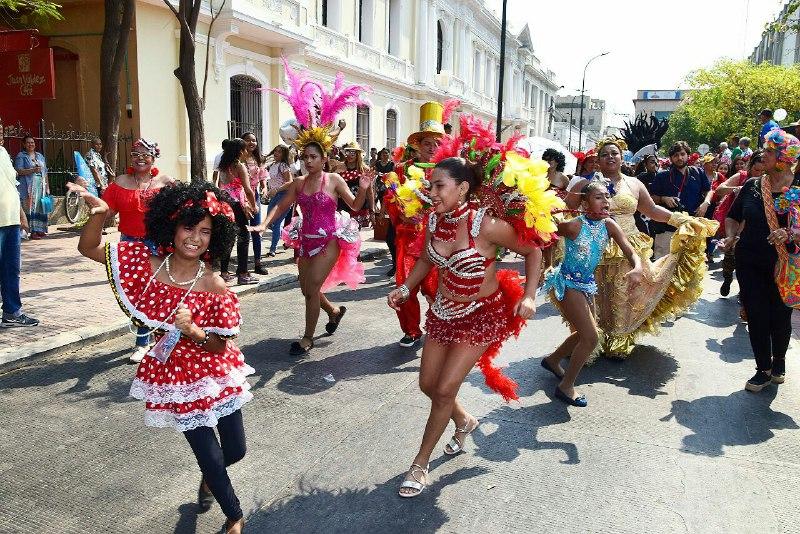 El 'Gran Desfile por el Rescate del Carnaval' se lo gozaron los samarios