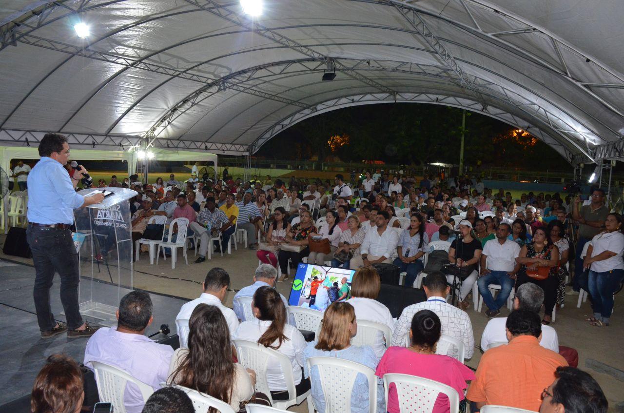 Alcalde pactó compromisos con la comunidad del barrio el Parque y sectores aledaños