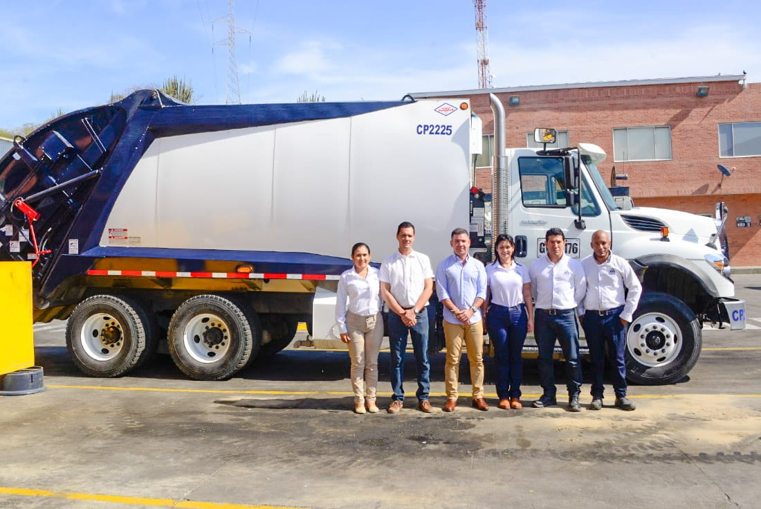 Camión Compactador de última tecnología empezará a operar en Santa Marta