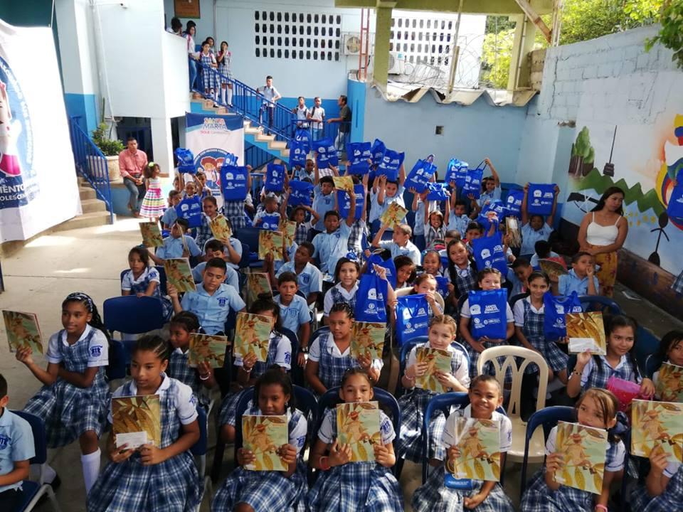 Entregados 300 kits a niños, niñas  y adolescentes para prevenir reclutamiento forzado en el Distrito