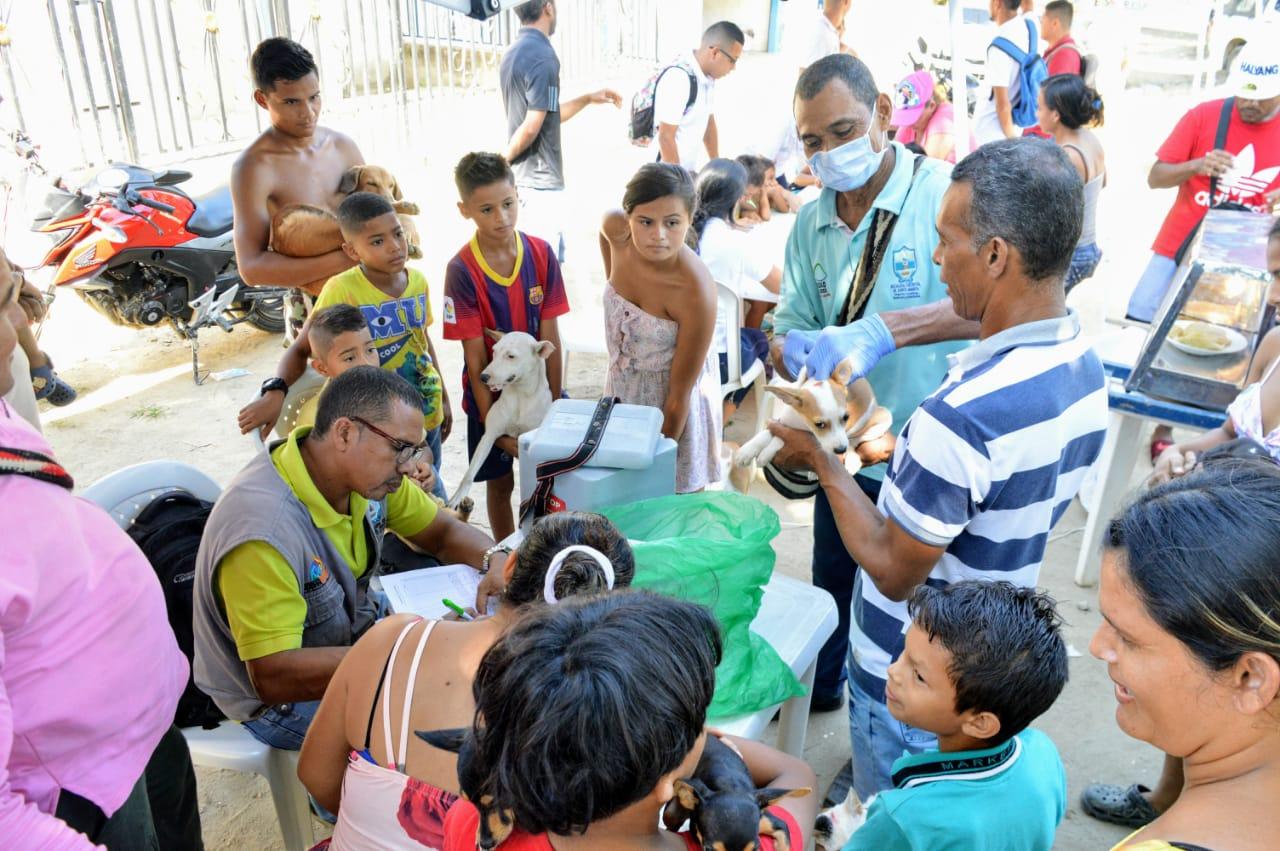 Habitantes de La Esmeralda se beneficiaron con las Ferias de la Equidad
