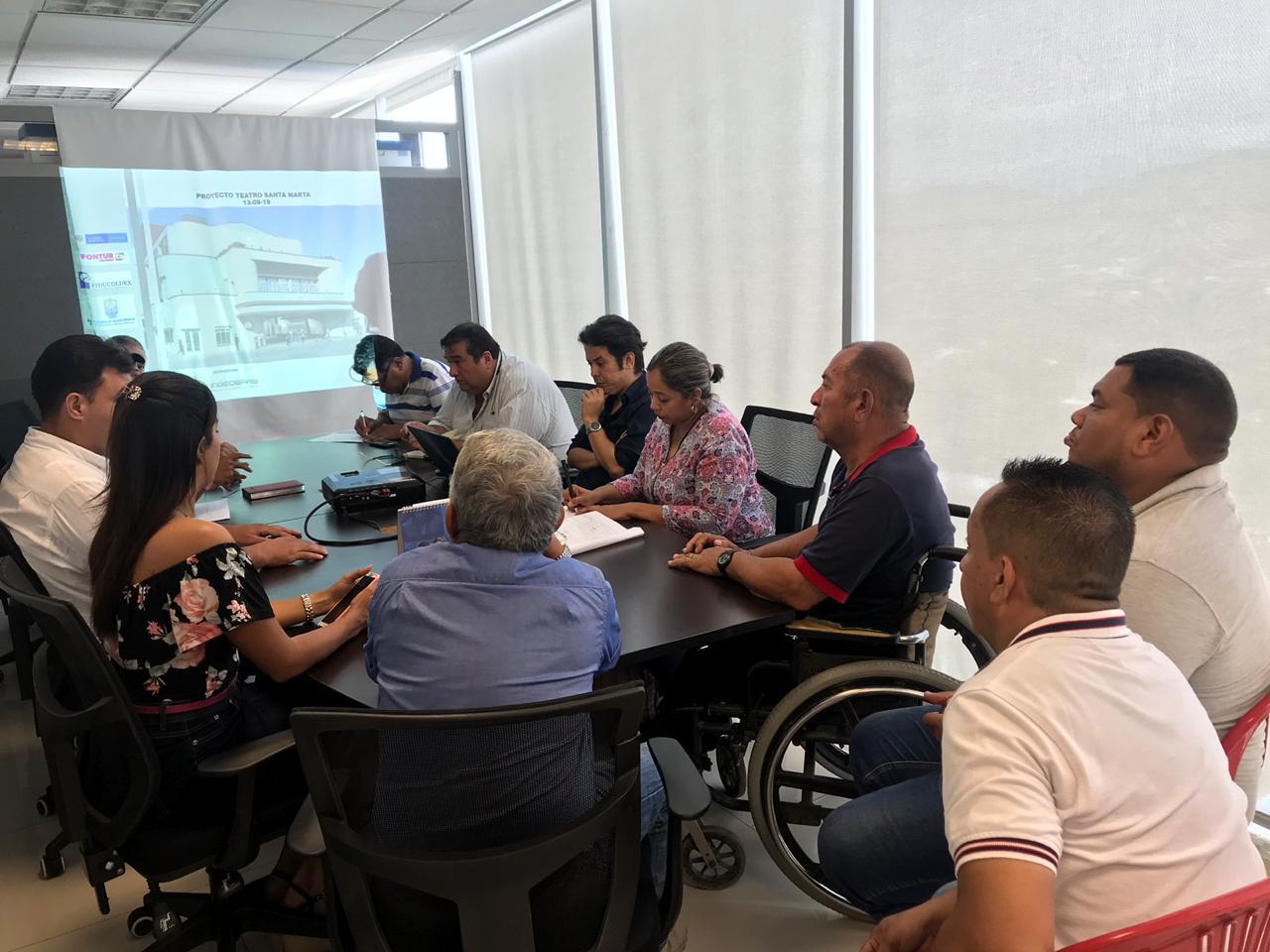 Vendedores informales  de los alrededores del Teatro Santa Marta serán reubicados transitoriamente