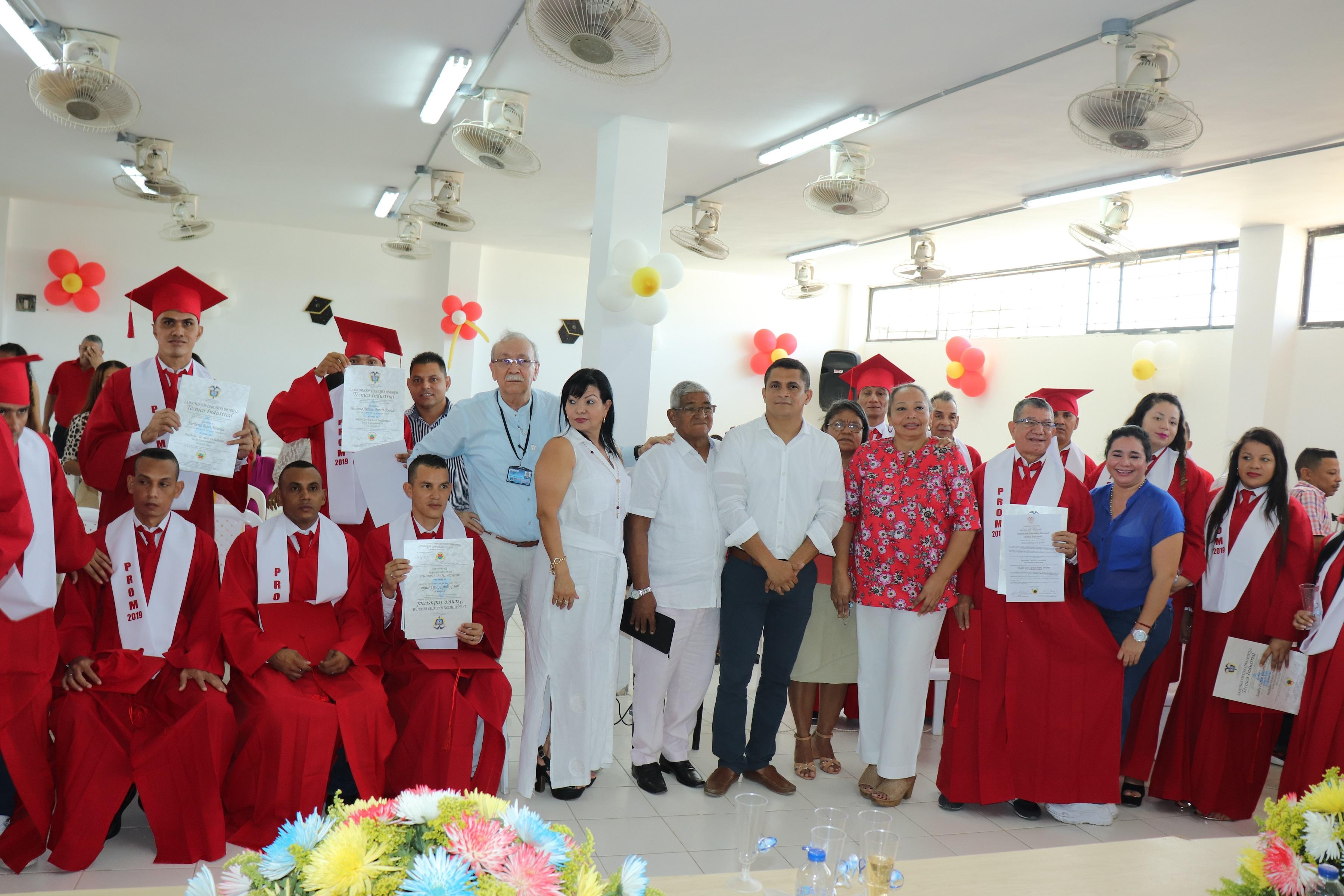 Alcaldía del Cambio acompañó ceremonia de graduación en Cárcel Rodrigo de Bastidas