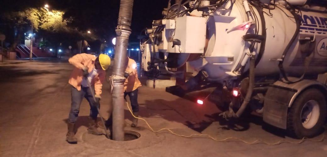 Essmar realiza mantenimiento a red de alcantarillado en El Rodadero