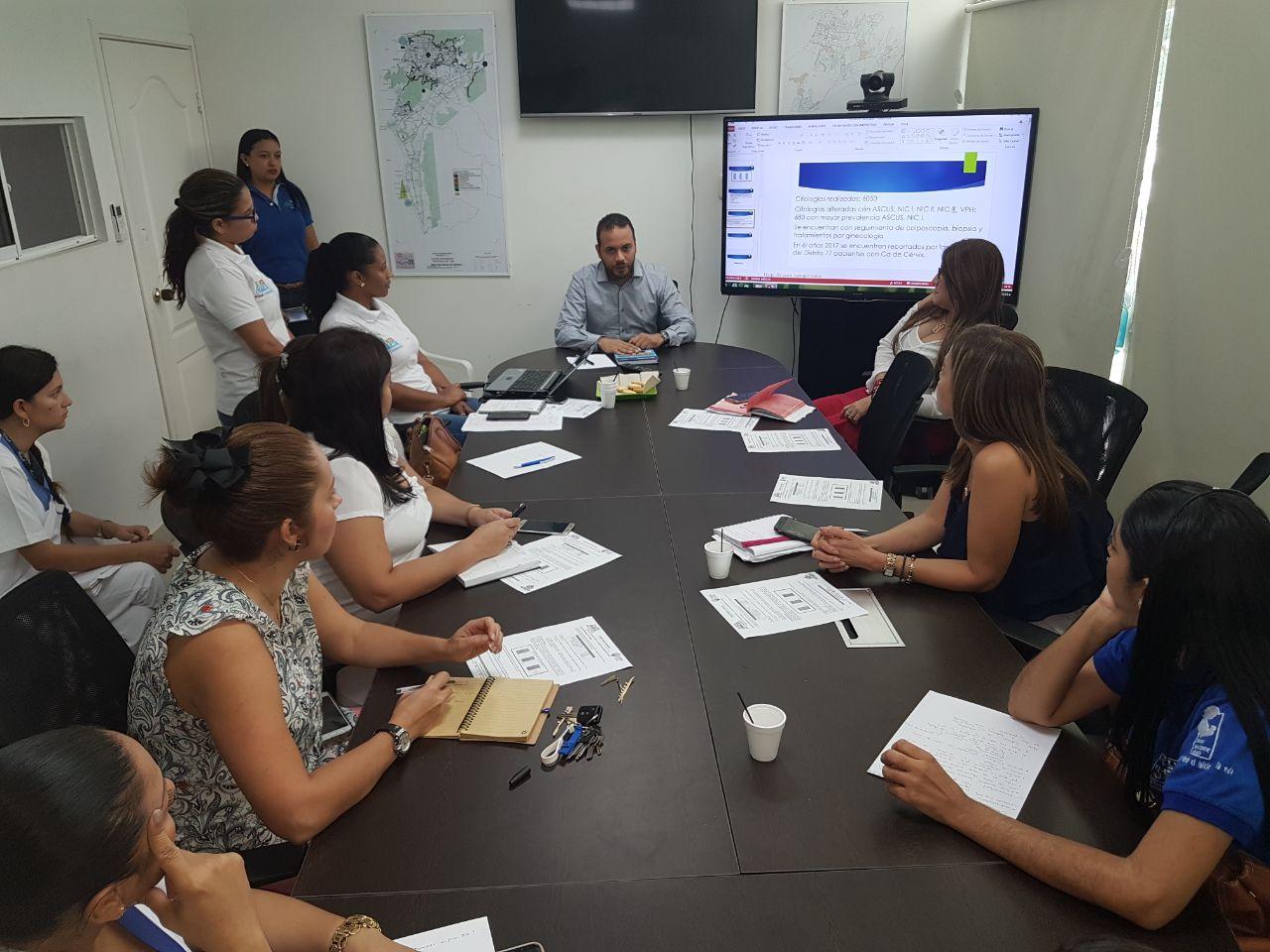 Distrito realiza mesa de trabajo sobre prevención del cáncer de cuello uterino