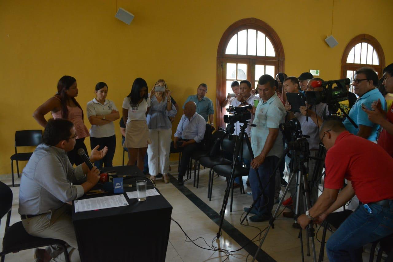 Alcaldía y Parques Nacionales concertan acciones para el beneficio de los samarios