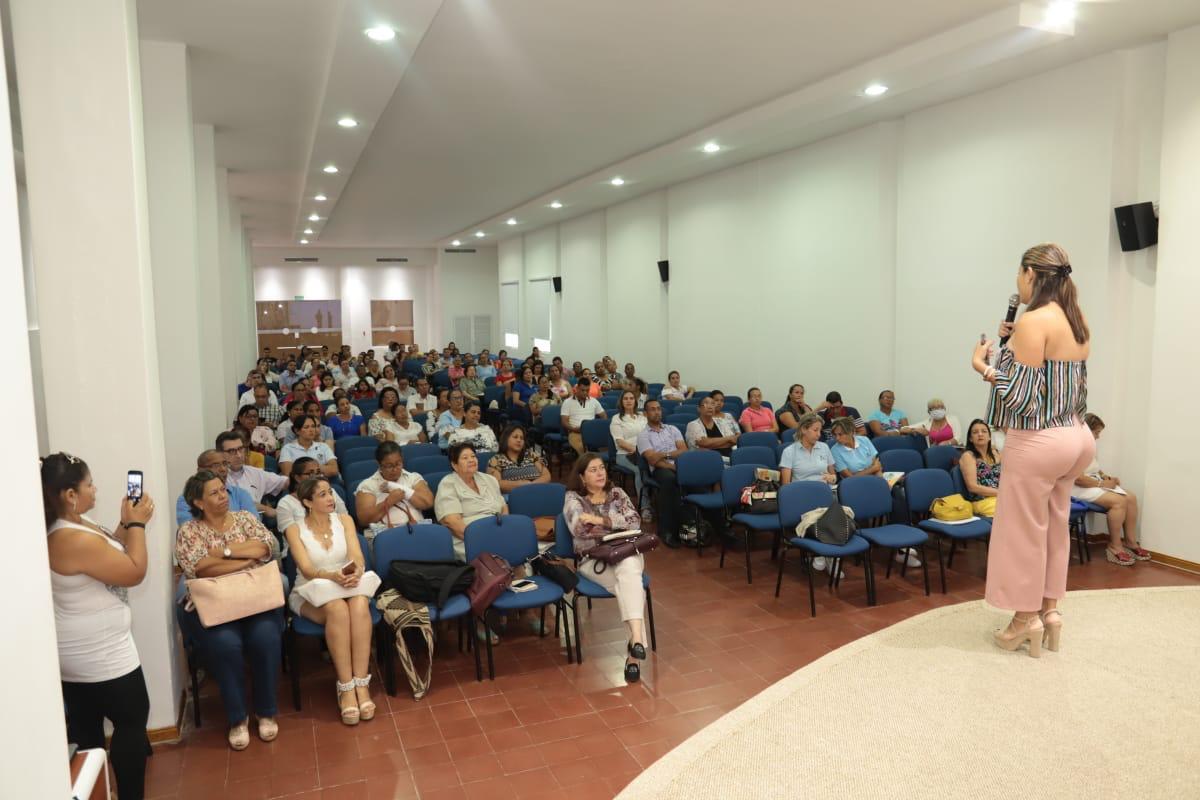 Secretaría de Educación hace acompañamiento a los Establecimientos Educativos de Distrito
