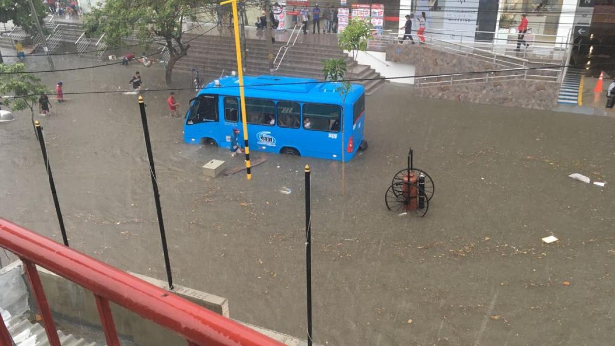 Tres viviendas colapsaron y 94 más resultaron inundadas durante lluvias: según Ogricc
