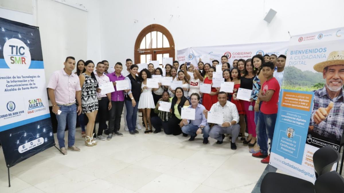 104 samarios se certificaron en Ciudadanía Digital