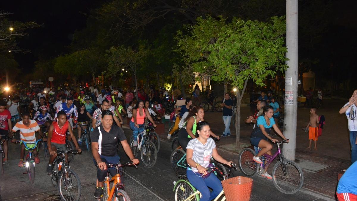 Concurrencia masiva de samarios en primer ciclopaseo del año Muévete en tu bici