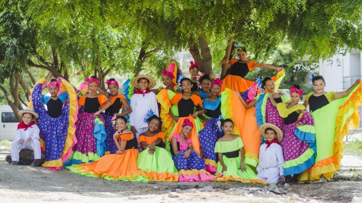Gracias al apoyo del Distrito, grupo de danza samario se presentará en Festival de Danzas en César
