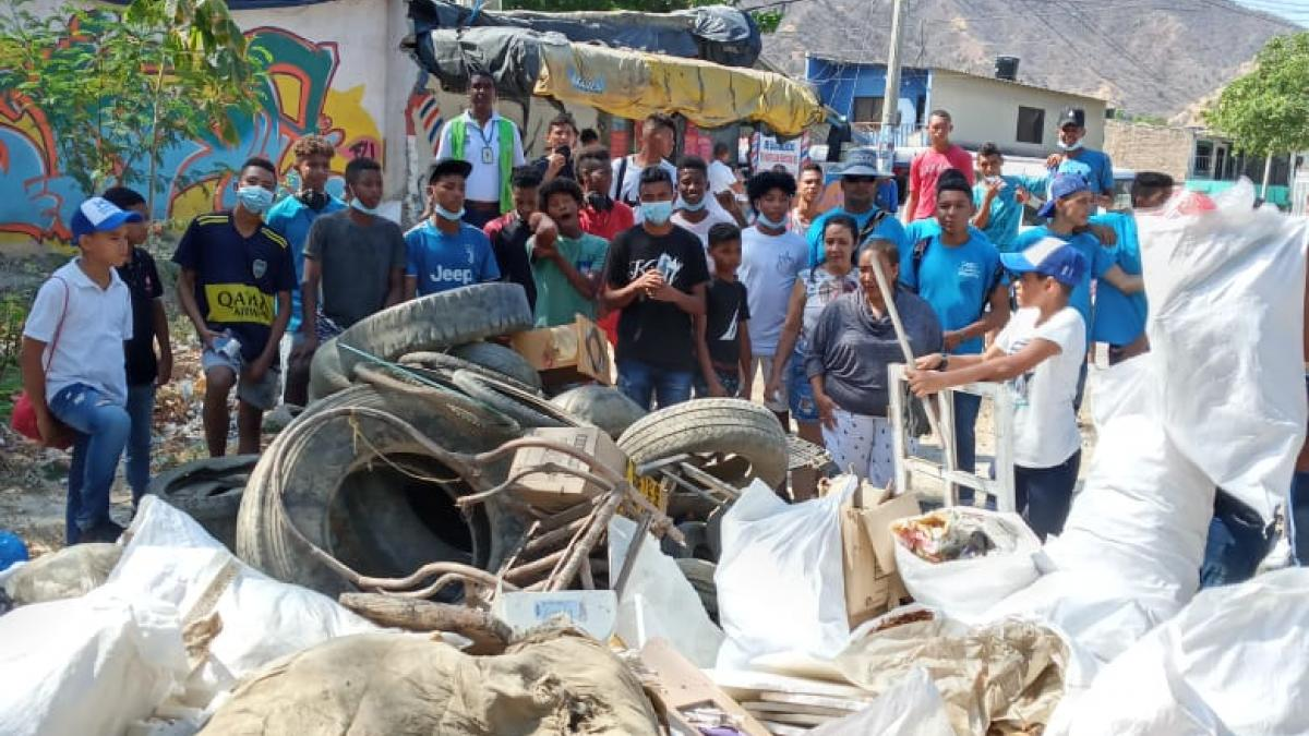 Récord de 147 toneladas de residuos retirados y masiva siembra de árboles deja 1mer día de 'Mí Barrio, Mí Río' en Santa Marta