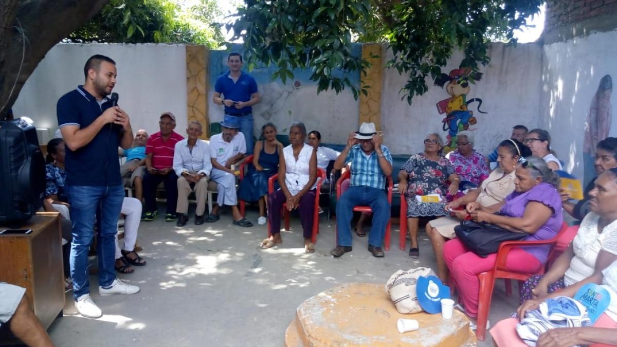 Distrito celebró con atención médica integral  Día del Adulto Mayor