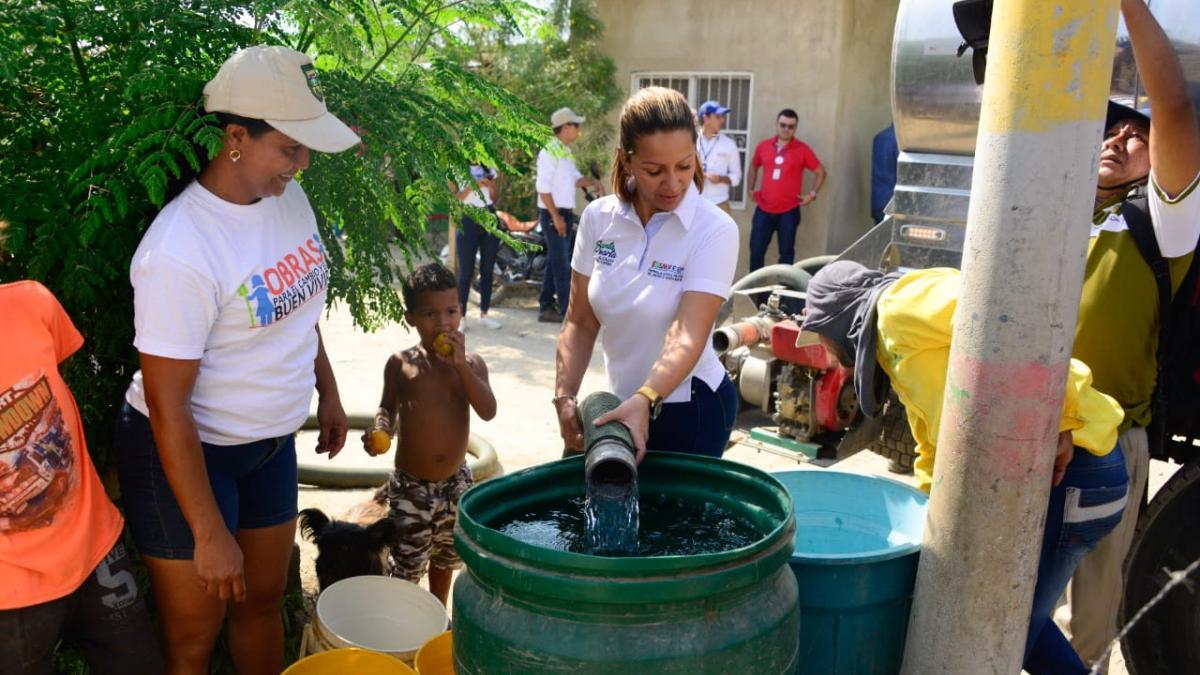 El agua que distribuye el Distrito sí es apta para el consumo humano