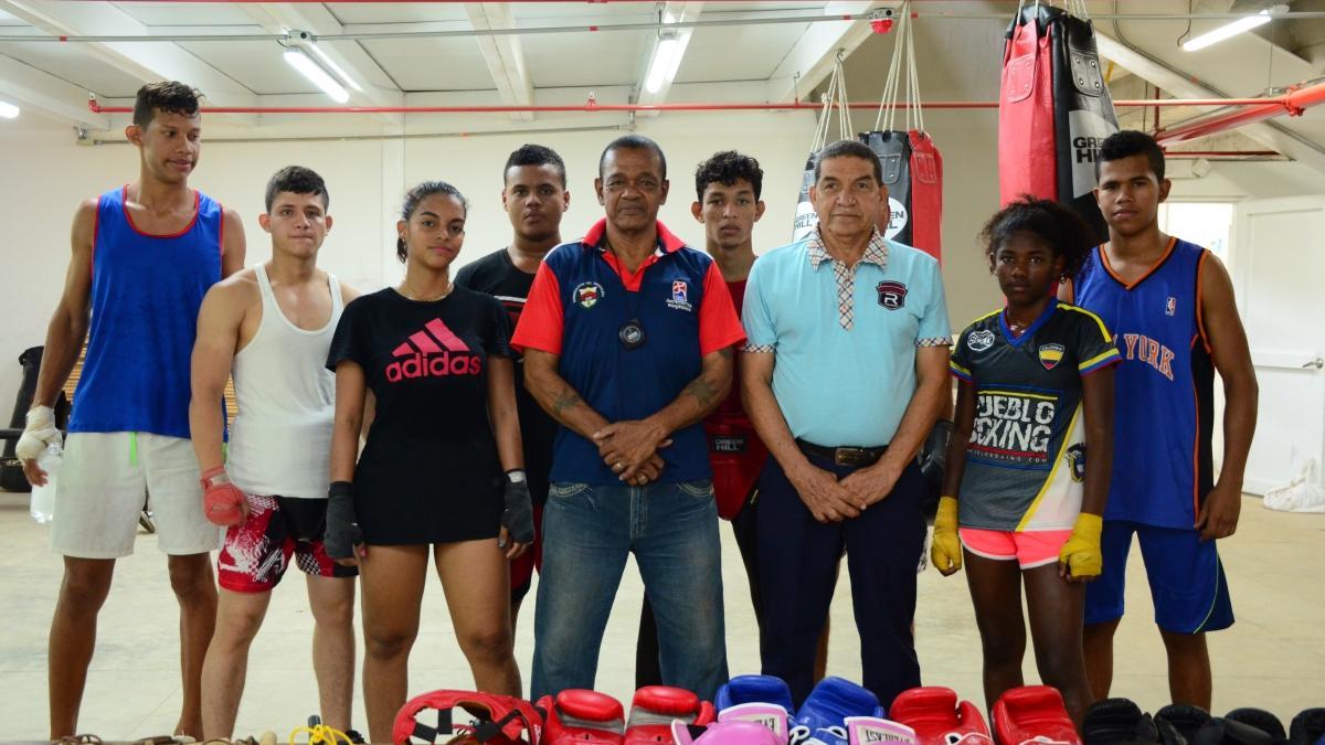 Alcaldía empezó a noquear la pobreza en el boxeo de Santa Marta