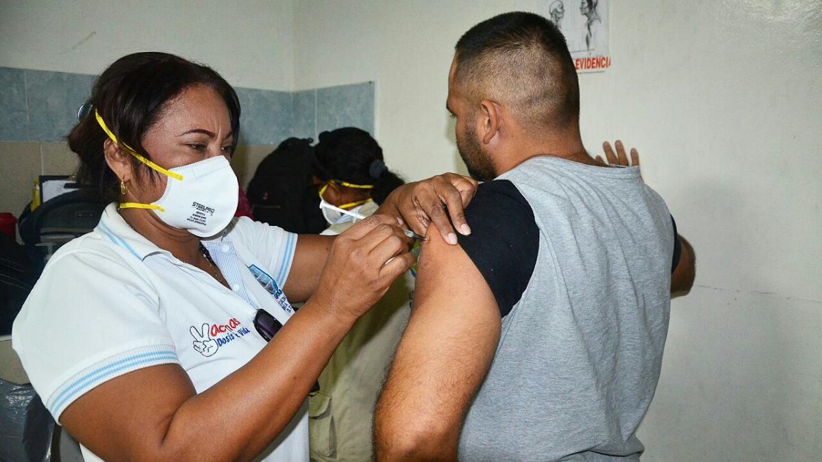 Distrito coordina jornada de salud en la Unidad de reacción Inmediata