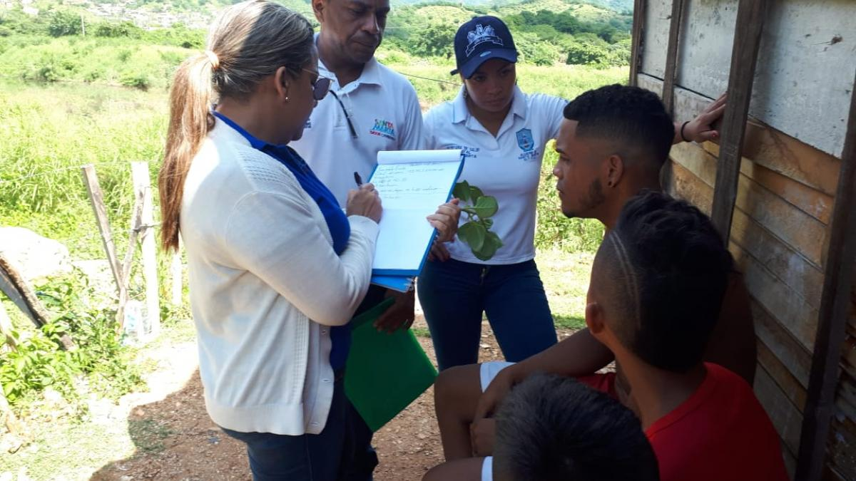 Distrito realiza búsqueda activa comunitaria en Los Fundadores