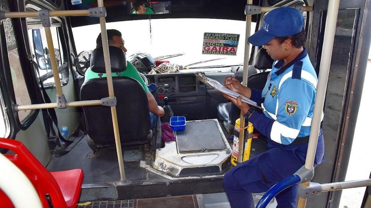 Puestos en operación buses del STU que cumplieron recomendaciones del Distrito para prestar un mejor servicio