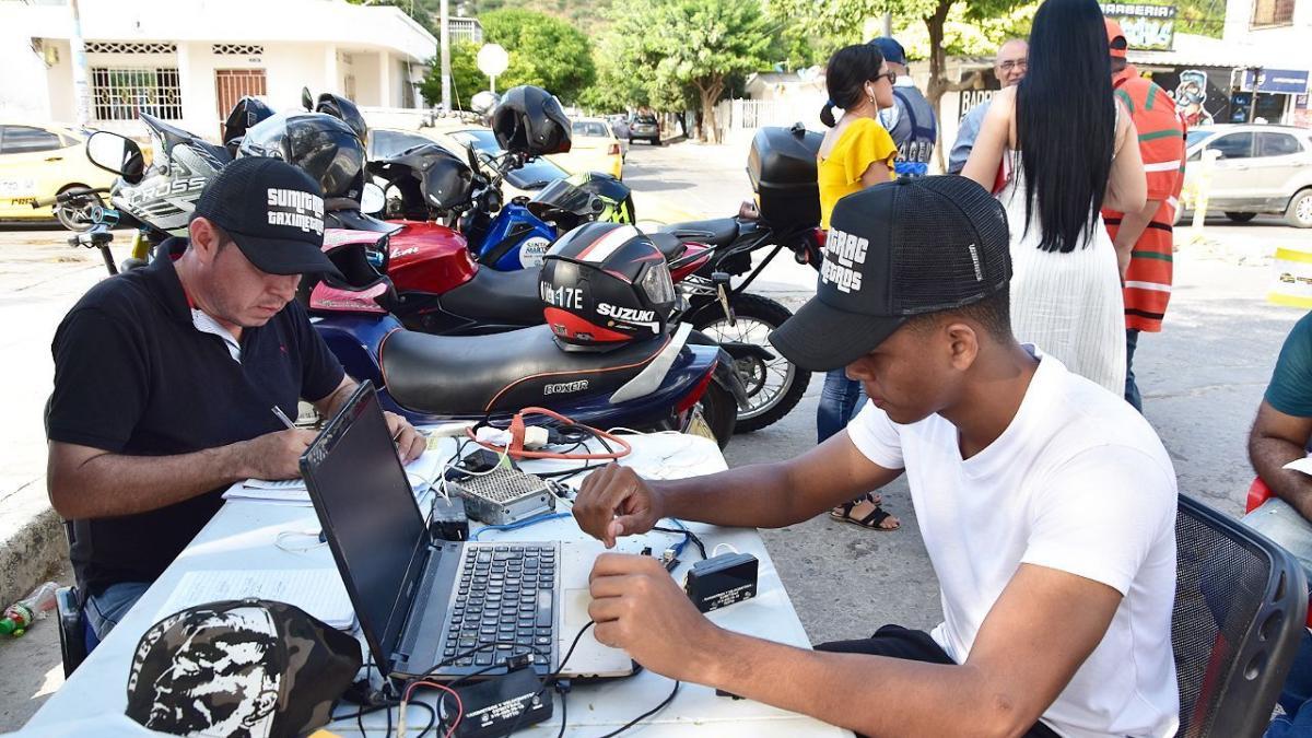 Avanza reprogramación de los taxímetros en la 'Ciudad del Buen Vivir'