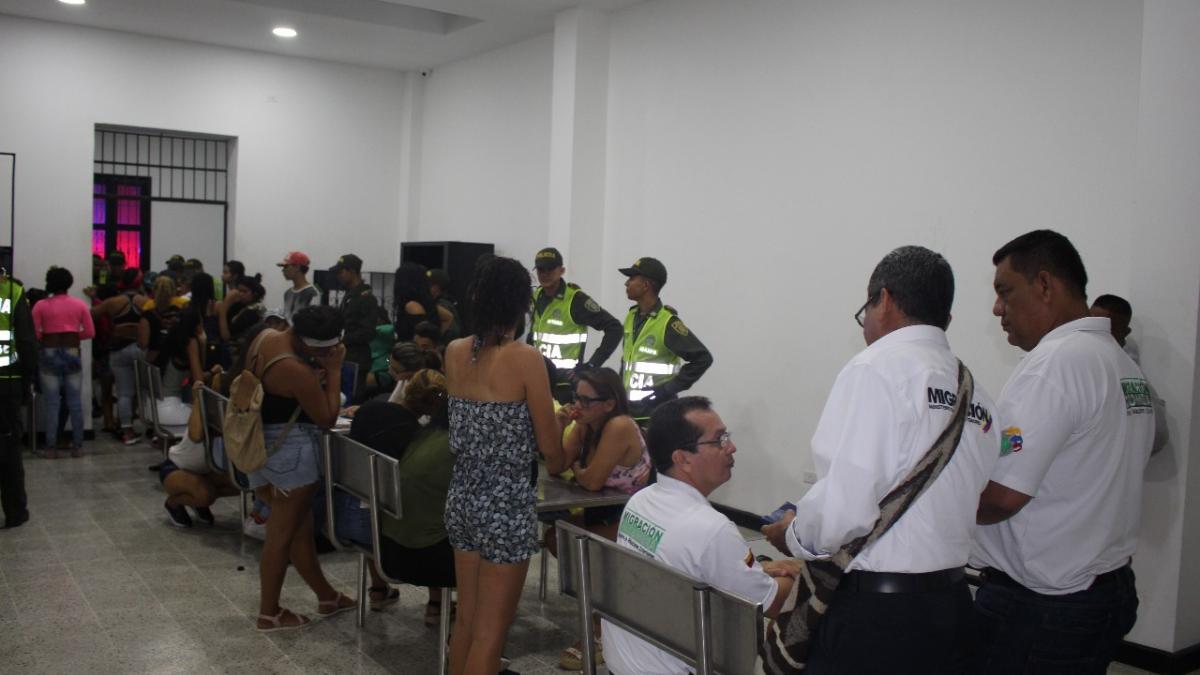 La Alcaldía Distrital hace control a trabajadoras sexuales