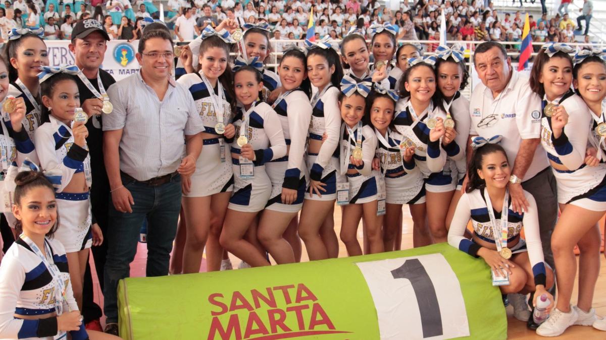 Alcalde premió a deportistas y exaltó a instituciones educativas