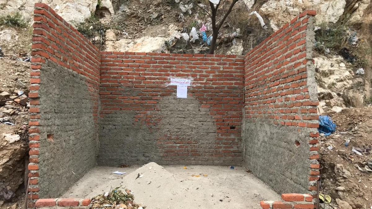 Demolida obra en construcción por estar en espacio público y zona de alto riesgo
