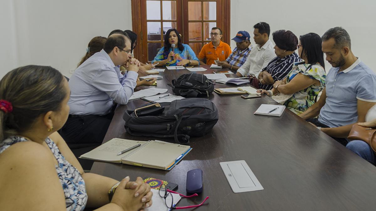 Distrito realiza mesa interinstitucional de atención a la población carcelaria