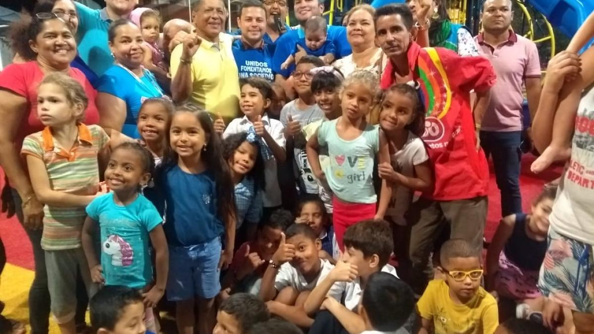 Con vacunas y juegos, 200 niños samarios se gozan 1mer día del Mes de la Niñez del Distrito