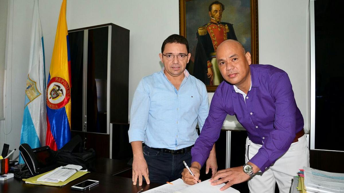 EL ALCALDE RAFAEL MARTÍNEZ Y EL SECRETARIO DE EDUCACIÓN DISTRITAL JULIO AGUILAR