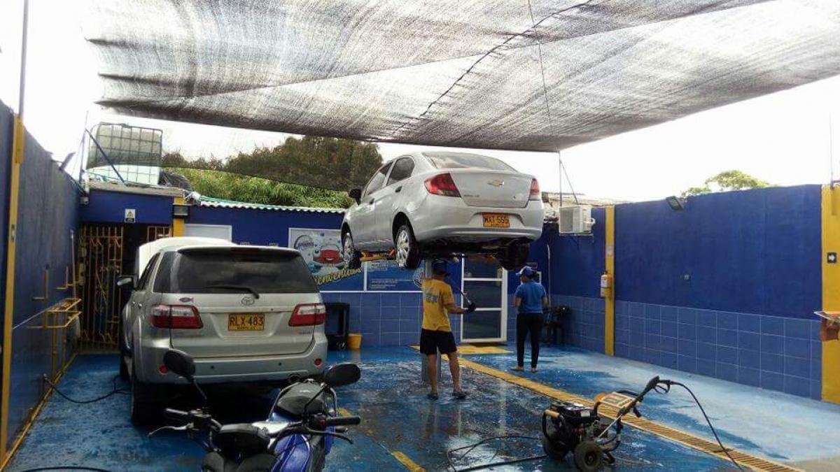 Reiteran 'pico y placa' a lavaderos de vehículos en Santa Marta para mitigar efectos de la sequía