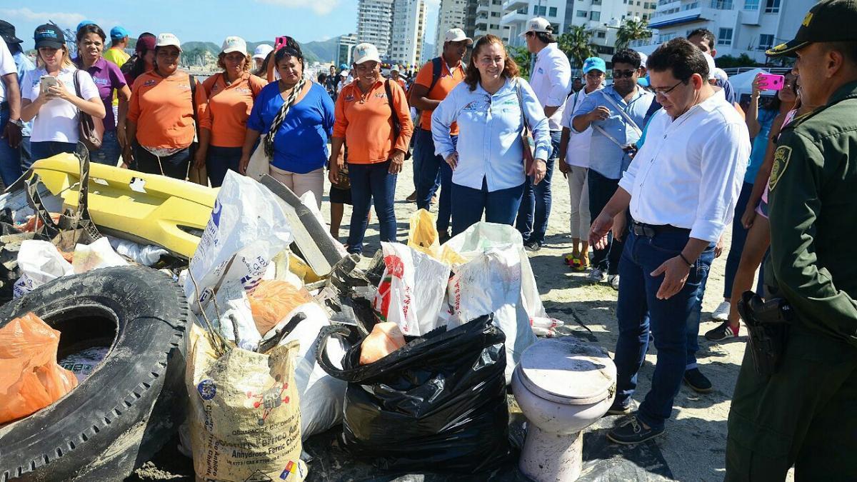 Más de 2.500 samarios participan en recolección de 34.8 toneladas de basuras