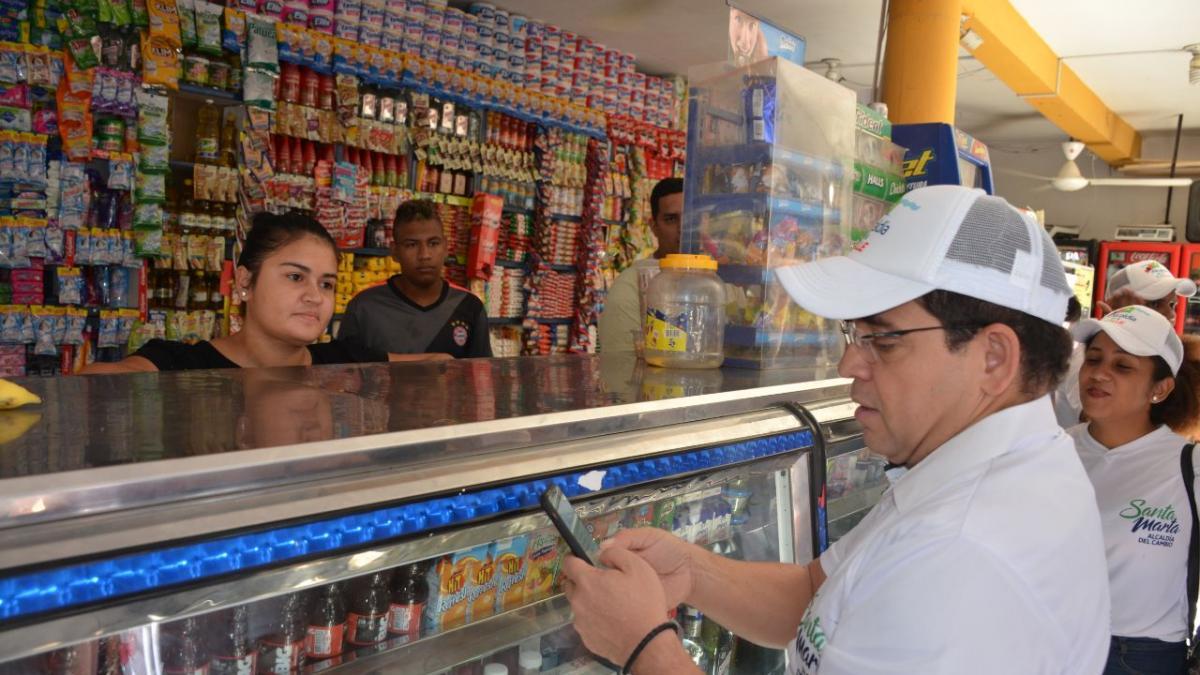 Alcalde sale a la calle para saber cómo los samarios perciben los servicios y proyectos de su gobierno