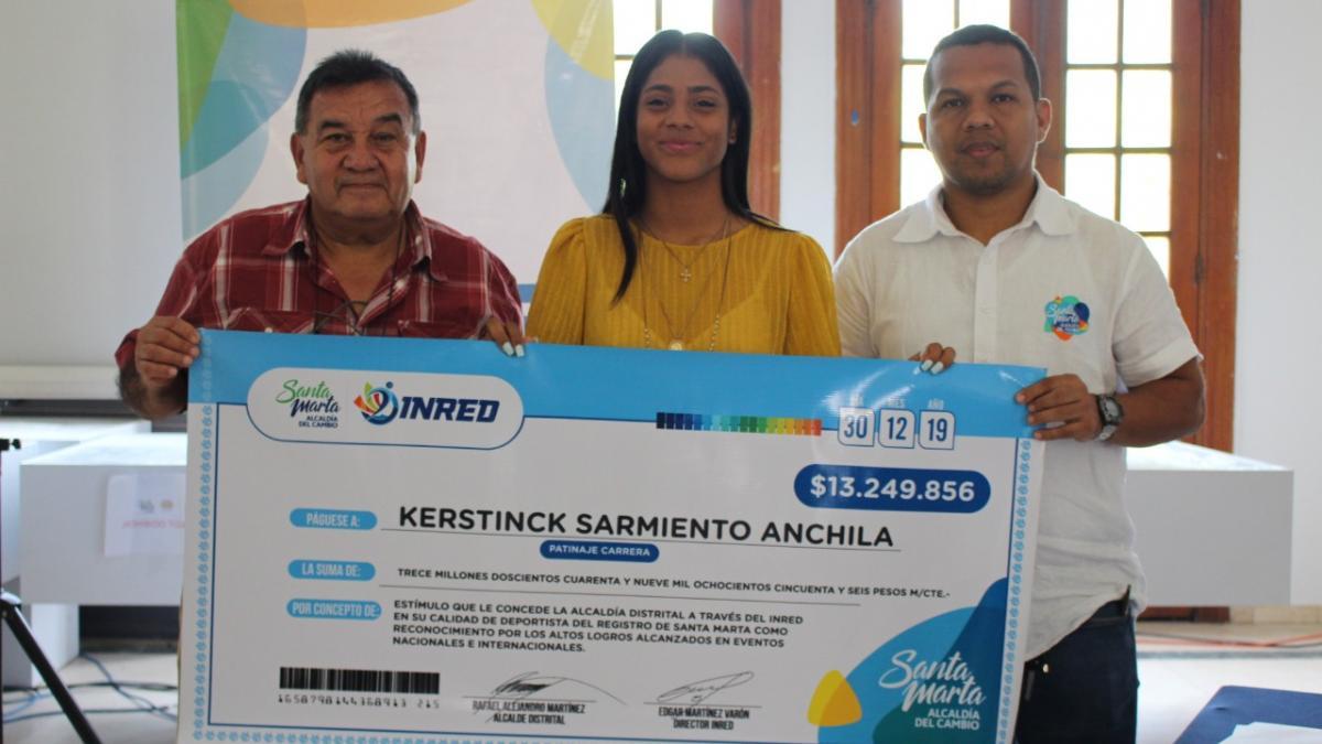 Alcaldía del Cambio entregó estímulo económico a deportistas locales