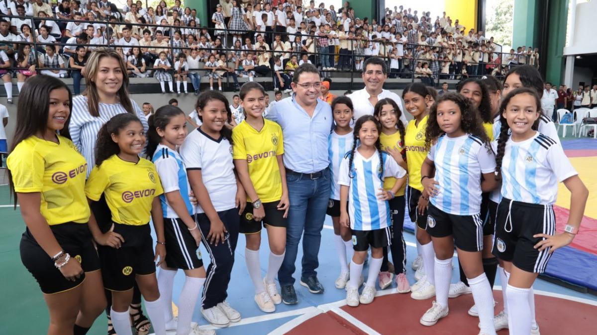 Distrito renovó y modernizó el coliseo del Inem Simón Bolívar