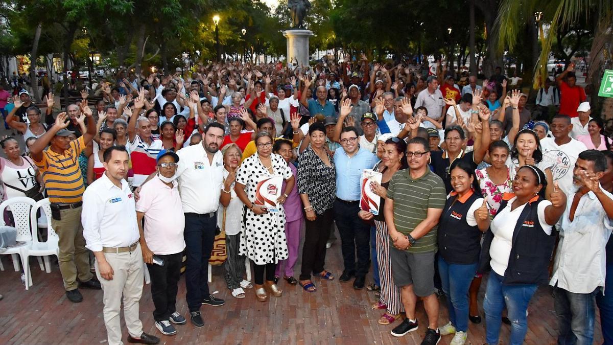 La entrega de títulos no se detiene: Alcalde Martínez entregó cuatrocientos nuevos títulos de propiedad