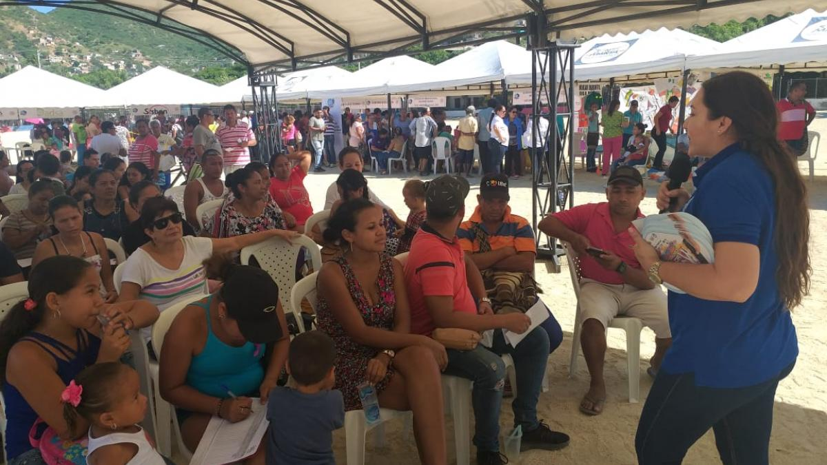800 personas en Gaira accedieron a la 'Feria de la Equidad y el Buen Vivir' de la Alcaldía