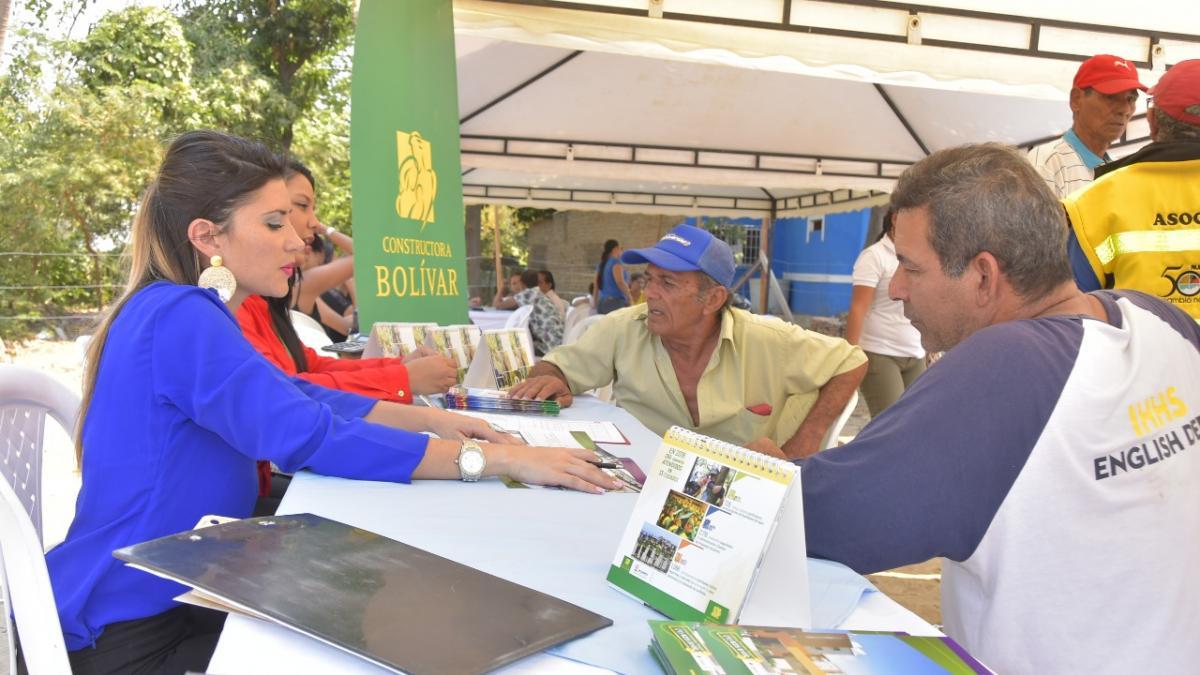 Alcaldía de Santa Marta lidera feria inmobiliaria en el proyecto de ampliación de la calle 30