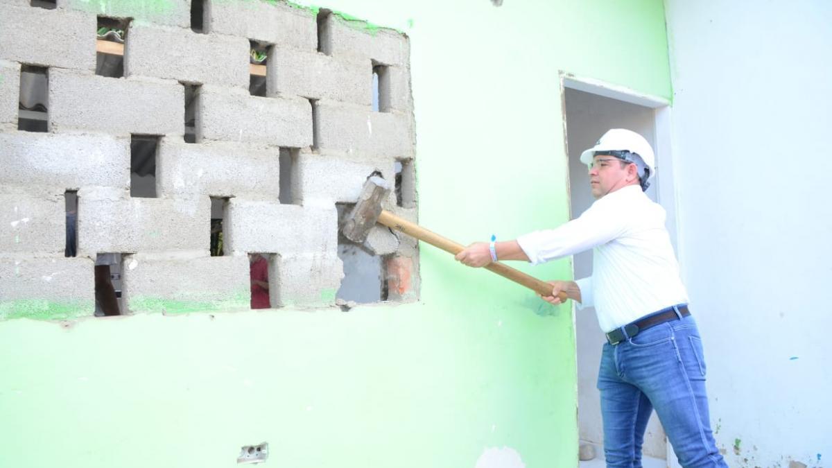 """Alcalde Martínez lideró la demolición de una nueva """"olla"""" de microtráfico"""