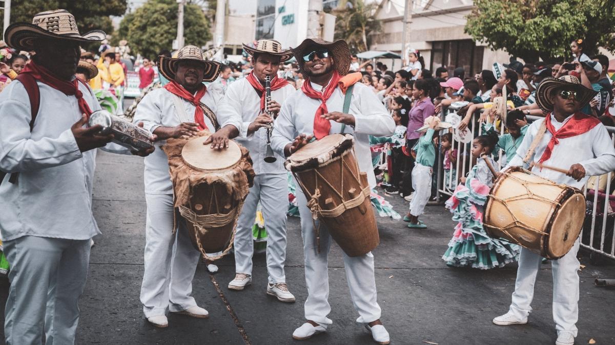 Abiertas inscripciones para desfile folclórico, de disfraces y  carrozas de las Fiestas del Mar 2019