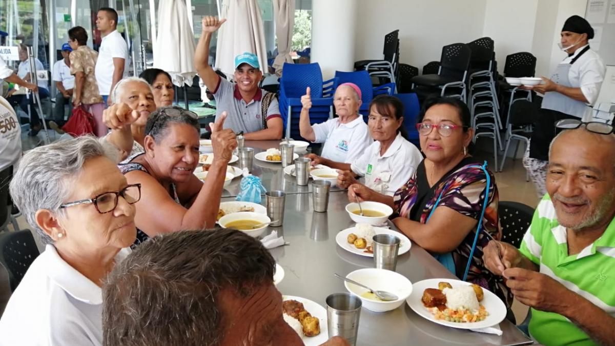Abuelitos de la Localidad I gozaron de los servicios ofrecidos en el Centro de Vida de Bastidas