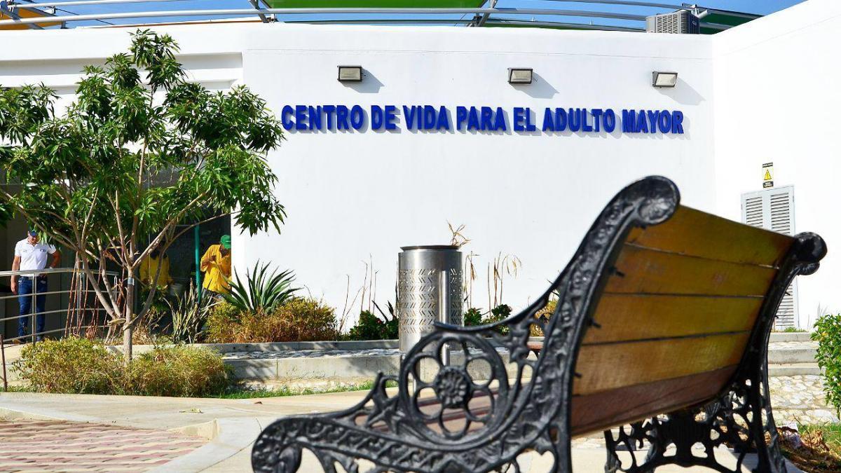 Alcalde inicia proceso de dotación para entregar el Centro de Vida en Bastidas