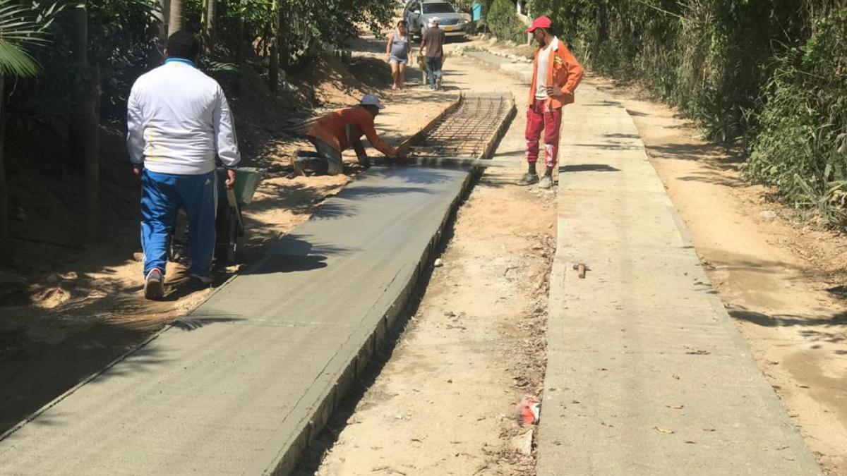 Avanza en un 50 % obra de placa huella en Masinga