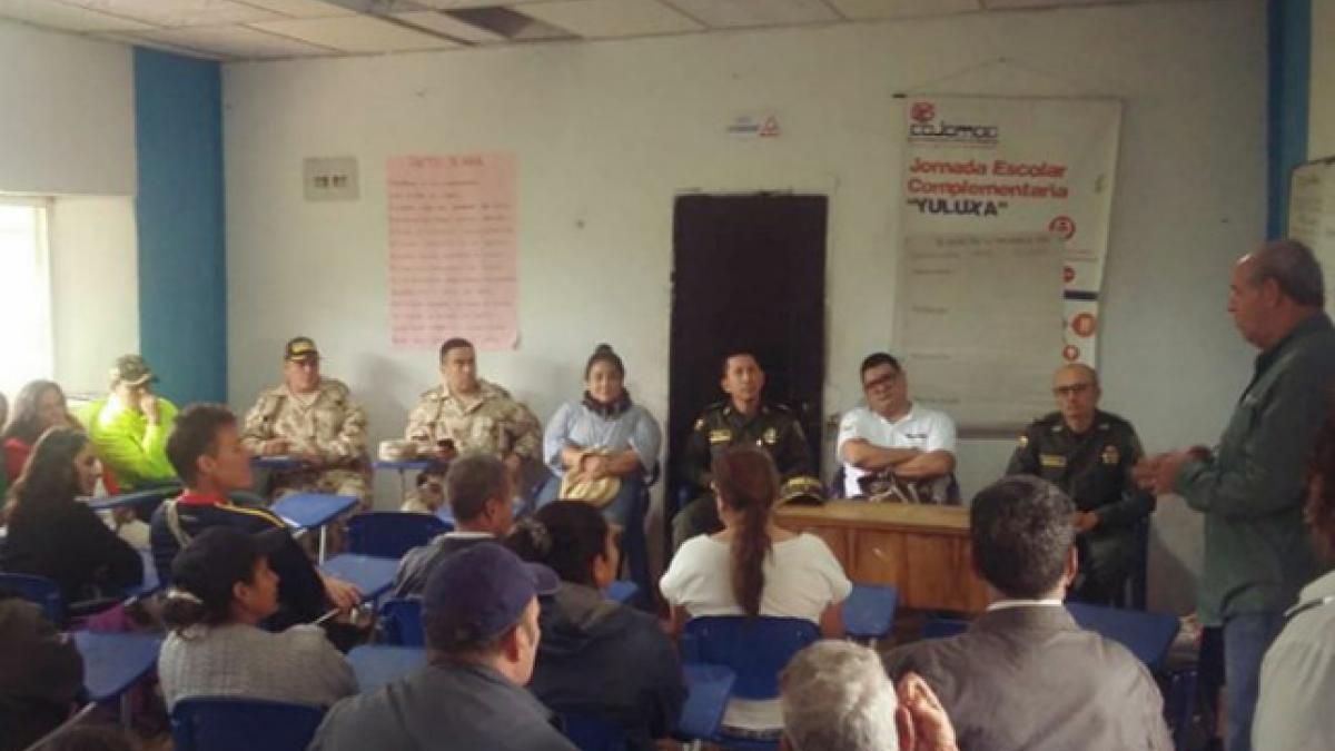 Autoridades de seguridad distrital se reunieron con líderes veredales
