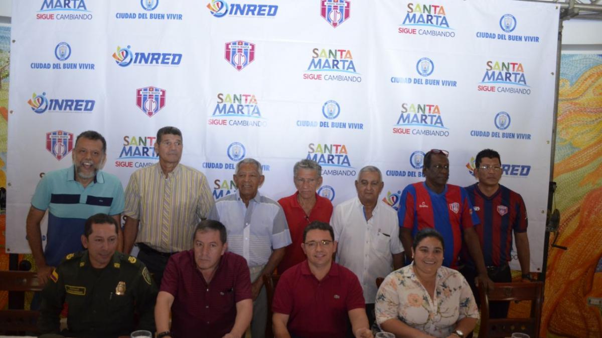 Glorias y exfutbolistas del Magdalena respaldan gestión del alcalde Martínez por regreso del Unión