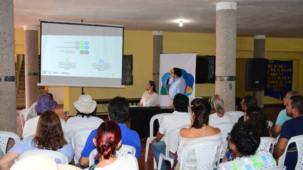 Alcalde Martínez socializa componente ambiental del POT en Minca