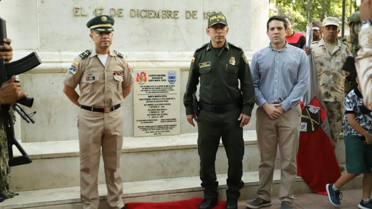 Ejército Nacional, Alcaldía y Policía develaron placa en conmemoración a los héroes caídos