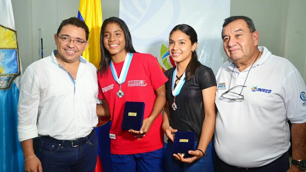 Alcalde Rafael Martínez ofreció facilidad de créditos a campeonas mundiales de patinaje