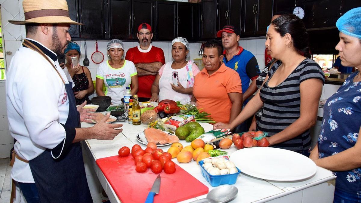 Hoy, 60 samarios son expertos en alta gastronomía